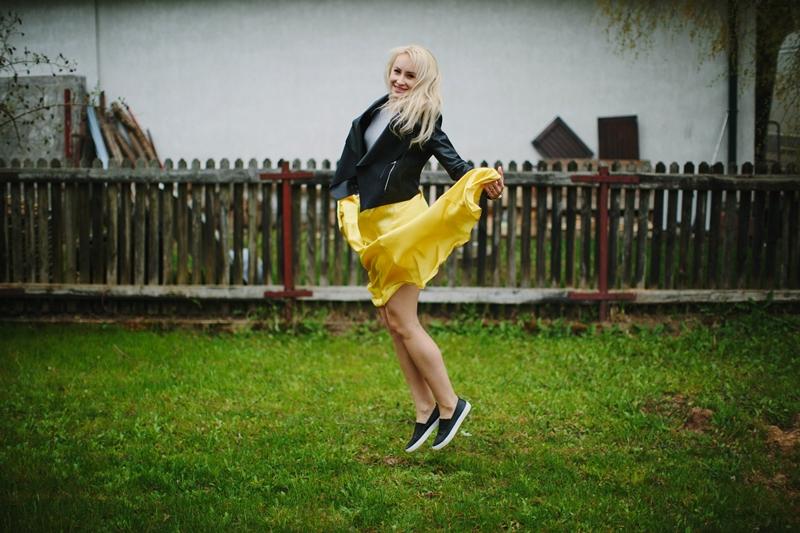 moja stylizacja z żółtą spódnicą