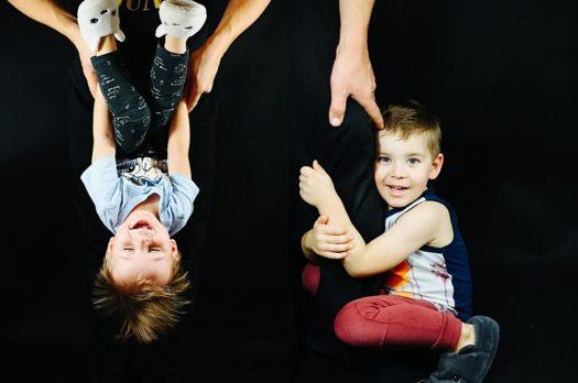 B – jak Braciszek. Co wyrządzasz dziecku zapewniając mu rodzeństwo?
