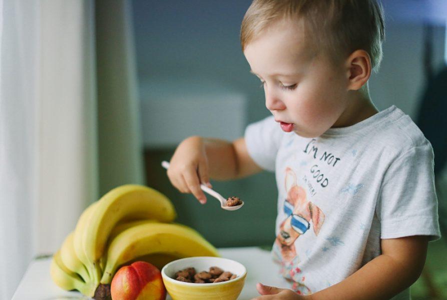Pomysł na szybkie i efektowne śniadanie dla Twojego malucha! Sprawdź sama! (Działa na każdego niejadka!)